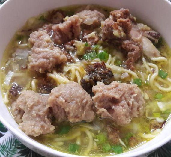 Cara dan Resepi untuk Membuat Bakso. Bebola daging dan sup dia memang padu sangat.