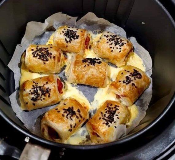 Resepi dan cara untuk membuat Mini Sausage Cheese Puff. Sesuai untuk minum petang. Anak-anak pasti suka.