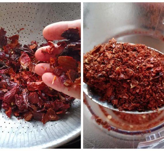 Cara untuk membuat Homemade Chilli Flakes yang pasti sedap.