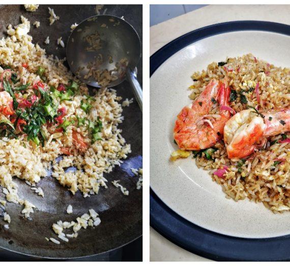 Cara untuk membuat Nasi Goreng Kerabu yang sangat terbaik dan mesti dicuba.