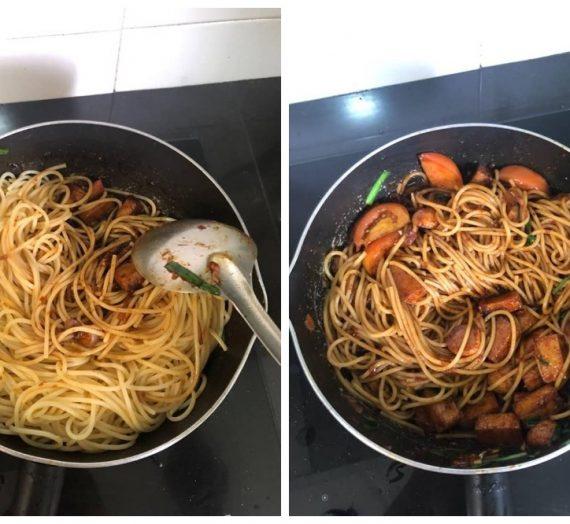 Cara untuk membuat Spagetti Goreng kesukaan anak-anak anda.