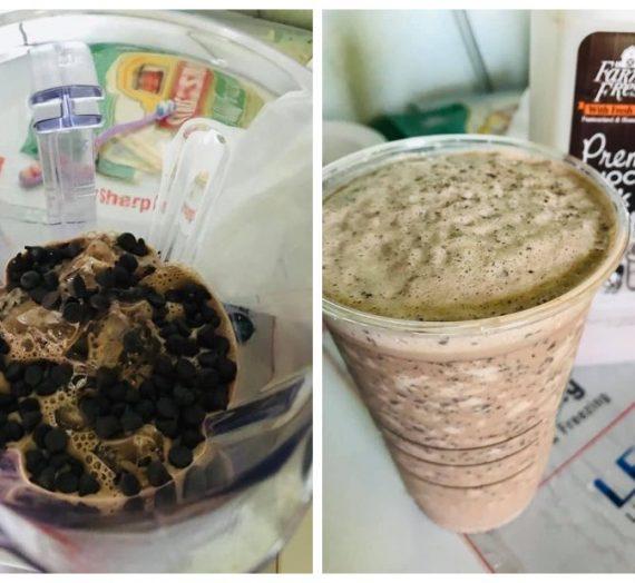 Cara untuk membuat Air Chocolate Cream Chip ala-ala Starbuck. Memang mengancam dan terbaik.