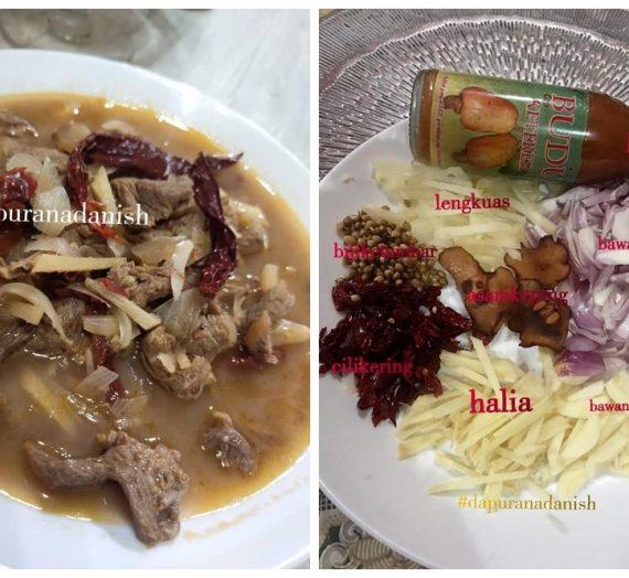 Cara untuk membuat Daging Masak Singgang bersama Budu Mek Kelate.