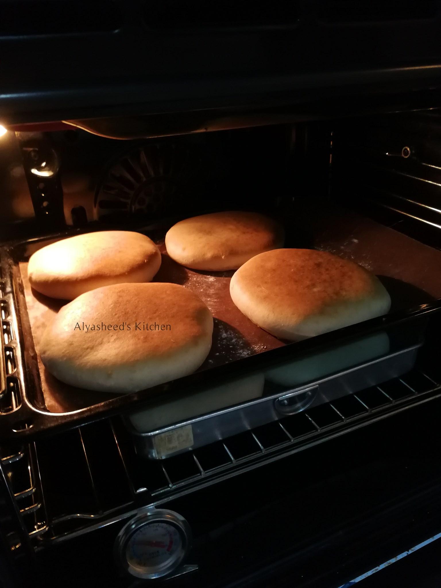 membuat roti arab mudah  enak dicicah bersama rendang memang padu  resepi Resepi Roti Arab Telur Enak dan Mudah